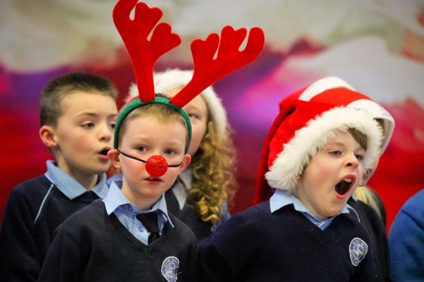 Children from Scoil Bhride in Donaghmede singing carols in T2.