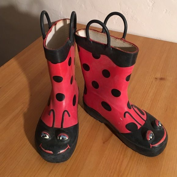 KIDS RAIN BOOTS WESTERN CHIEF SIZE 9 PREOWNED WORN BUT STILL SO CUTE. KIDS SIZE 9 WESTERN CHIEF Shoes