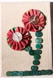 Fabric postcard - yoyos and buttons