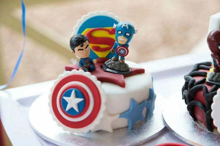 Superman and captain america mini cake