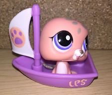 Littlest Pet Shop LPS SALMON SEAL IN BOAT TOY FIGURE 2007  5cm