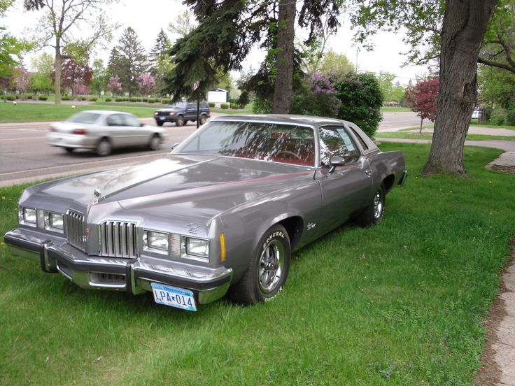 1977 pontiac grand prix. Ours was metallic green.
