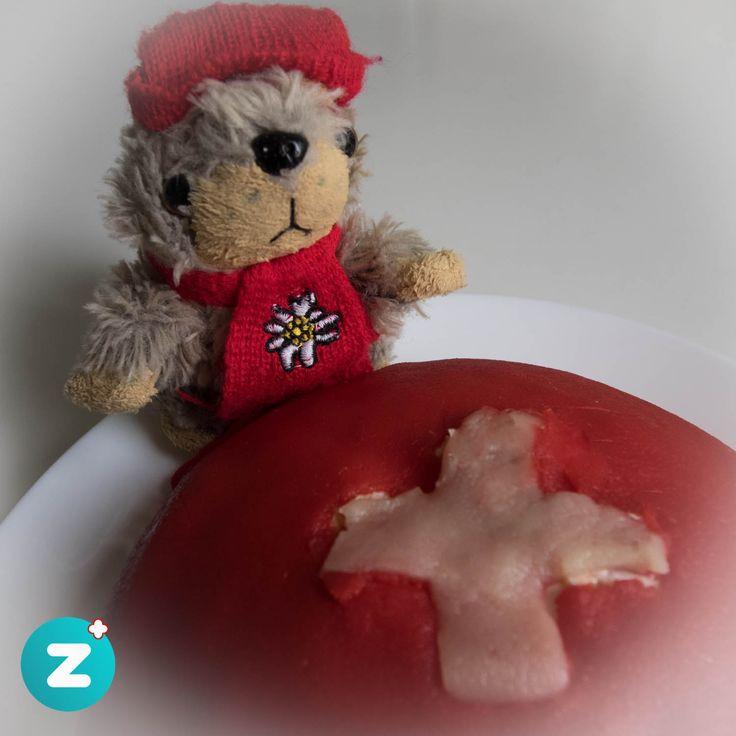🇨🇭 Happy Swiss 🇨🇭 National Day 1st of August 🇨🇭😅🎊🎈🎉   #1august #nationalfeiertag #schweiz #suisse #svizzera #switzerland #suiza #helvetia #helvetica #cake #kuchen #sardegnatorte #marmot #murmeli #matterli #sweet #celebrate #red #white