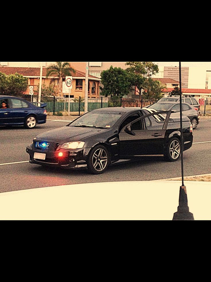 Queensland Police Unmarked SS Commodore Ute 2014