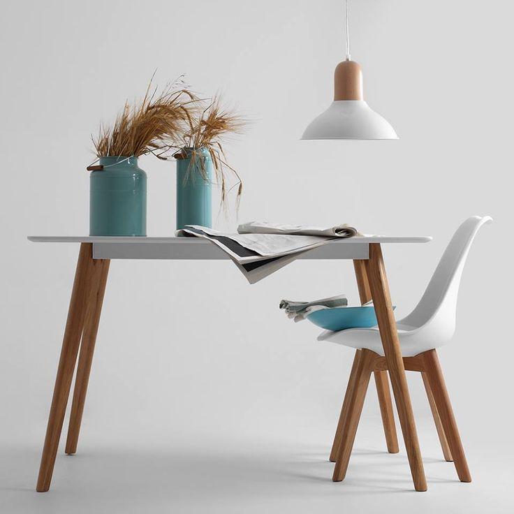 Stolička JEREMIE a stôl MARTIN.