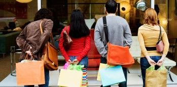 Como atrair clientes em tempos de crise econômica e política