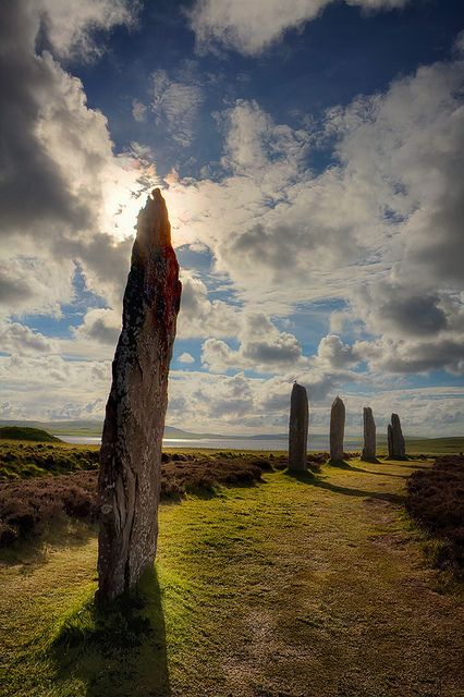 The Ring of Brodgar Orkney island, was going up at about the same time stonehenge was being built in southern England. The great henge is some 350 feet in diameter and encircled by the ditch that was dug 27 feet into bedrock..really amazing !