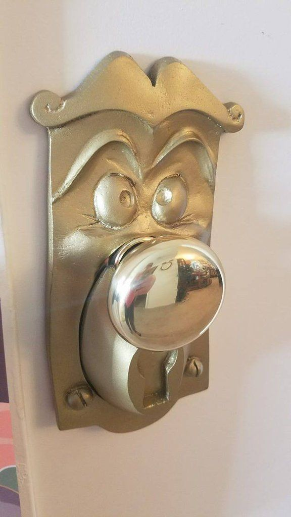 Transport Yourself To Wonderland With This Alice In Wonderland Inspired Door Knob!