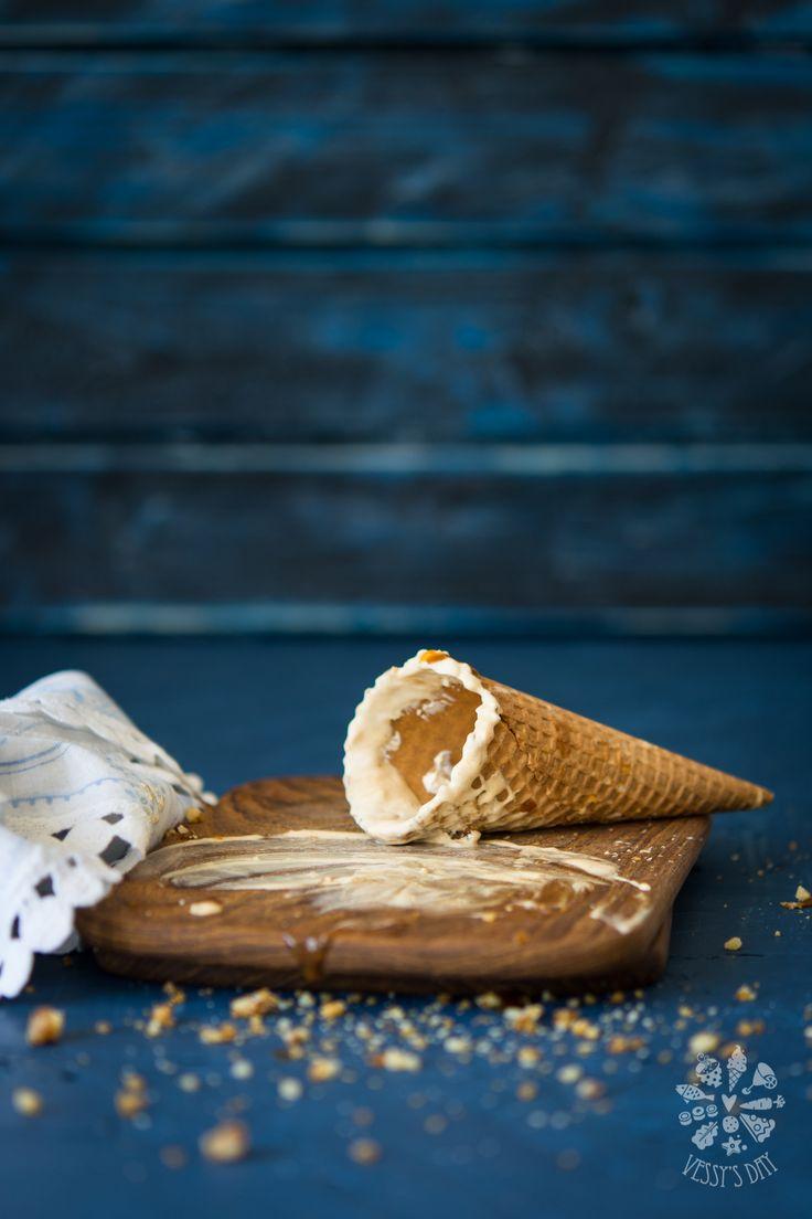Dulce de leche ice-cream with caramelized walnuts