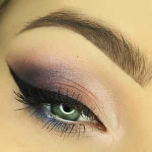 MAKEUP VIOLET&ORANGE URBAN DECAY SHADOW BOX                                                                                                                                                                                 More