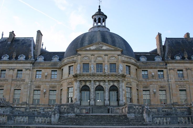 """grandestates101: """"The back of Chateau Vaux-le-Vicomte, in Maincy, France. Completed in 1661. Owned by Nicolas Fouquet. """""""