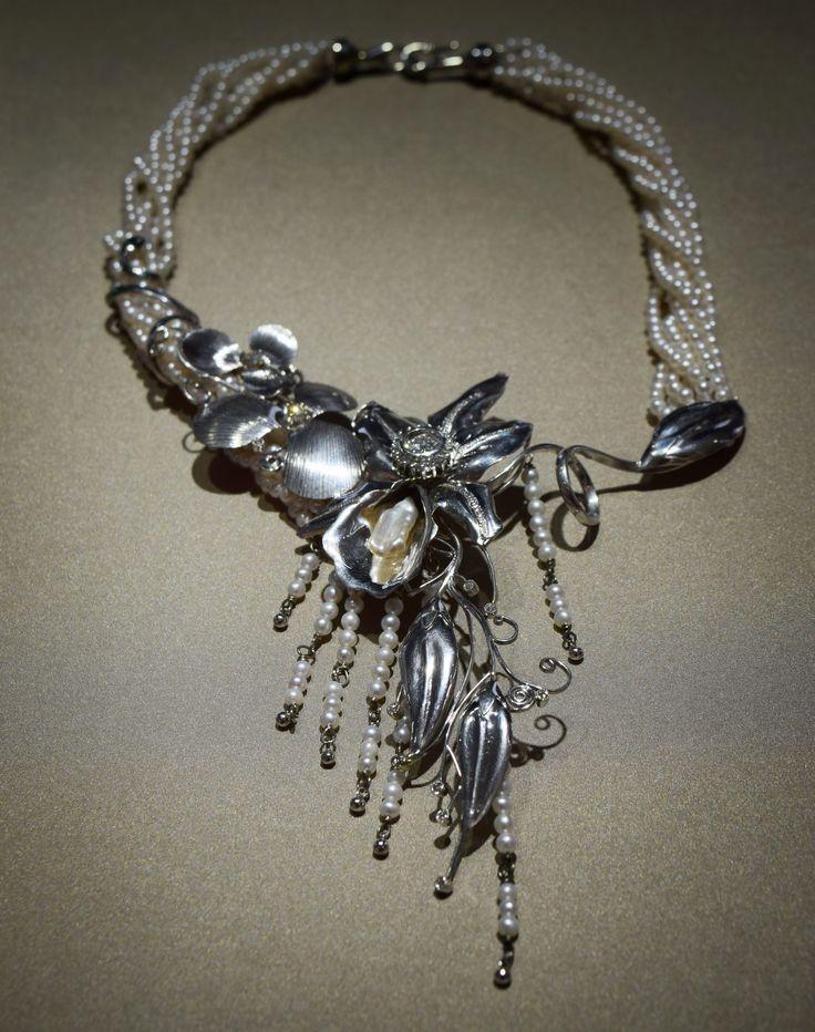 Custom design necklace for a lucky customer! #whitegold #pearls #diamonds #flower