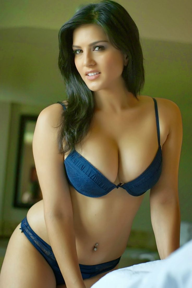 Sunny Leone Hot Bikini Boobs And Cleavage Photos  Hot -6958