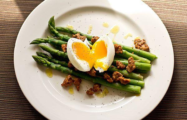 Asparagus, Chorizo and Soft-Boiled Egg by MJ's Kitchen    http://mjskitchen.com/2013/02/asparagus-chorizo-bacon-egg/#