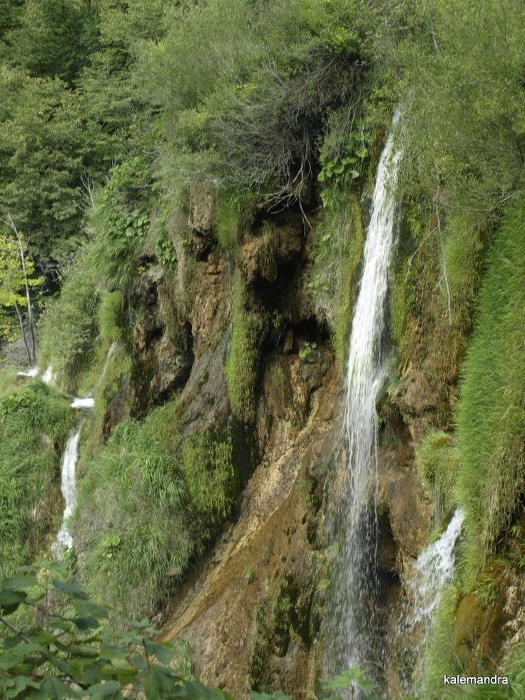 Waterfall / Clickasnap