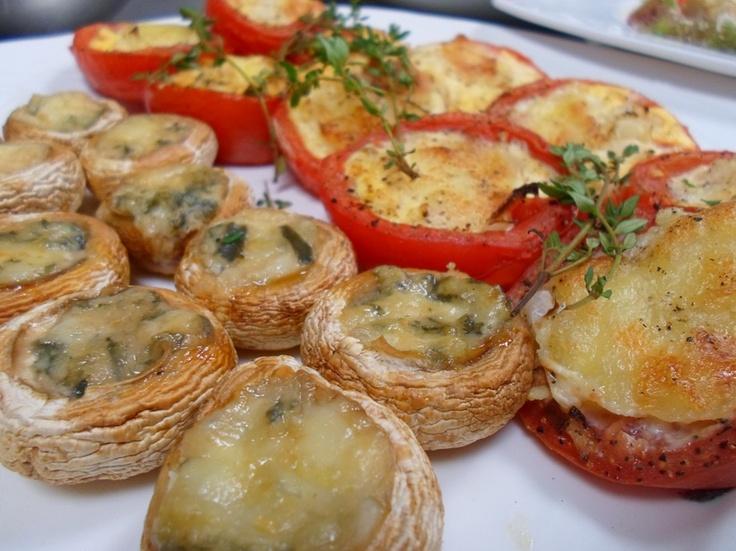 Gevulde tomaten en champignons uit de keuken van IMPERIA Drachten.