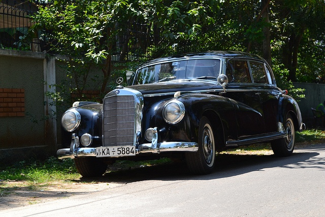 A Mercedes Benz 300S   by MinuraJPerera, via Flickr