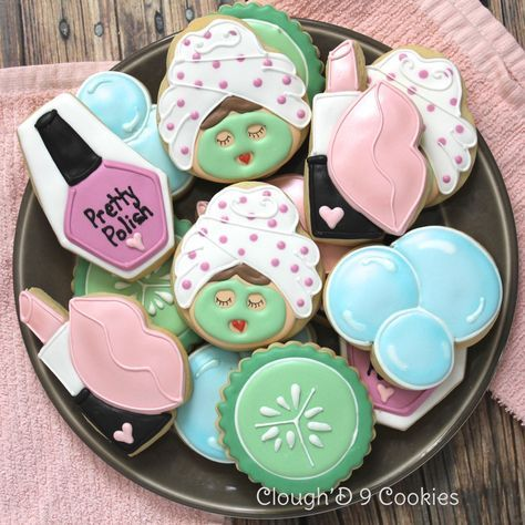 Spa cookies from a skull cookie cutter