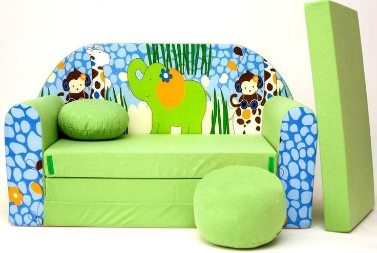Süsses Sofa für das Dschungel-Kinderzimmer. Ausklappbar, so das es super als Gästebett genutzt werden kann. Der passende Hocker ist gleich mit dabei.