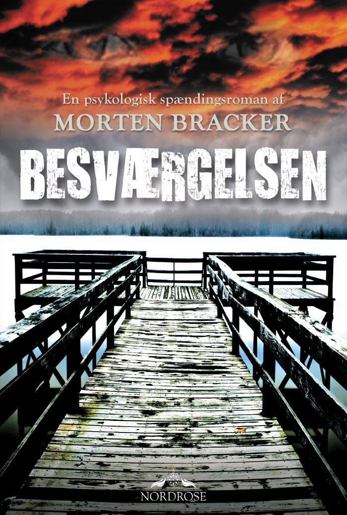 BESVÆRGELSEN er en historisk og psykologisk spændingsroman, der på hele 646 sider fører hovedpersonen helt ind i hjertekammeret af den mest hemmelige og formørkede løgn om selve menneskeheden.