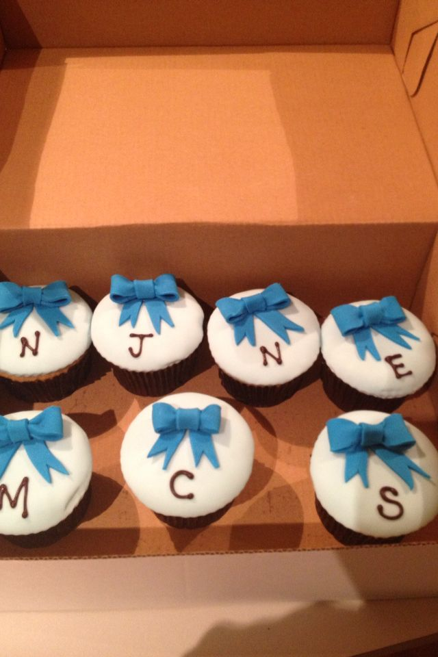 Personalized cupcakes!!