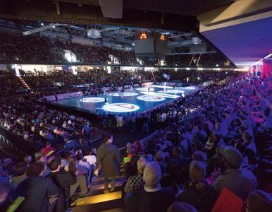"""Nach einer beeindruckenden Saison und dem Aufstieg in die DKB Handball-Bundesliga startet der HC Erlangen nach der Sommerpause in der """"stärksten Liga der Welt"""". www.hl-studios.de #dkbhbl #erlangen #ArenaNuernbergerVersicherung #hcerlangen #handball #hlstudios #einteameinziel"""