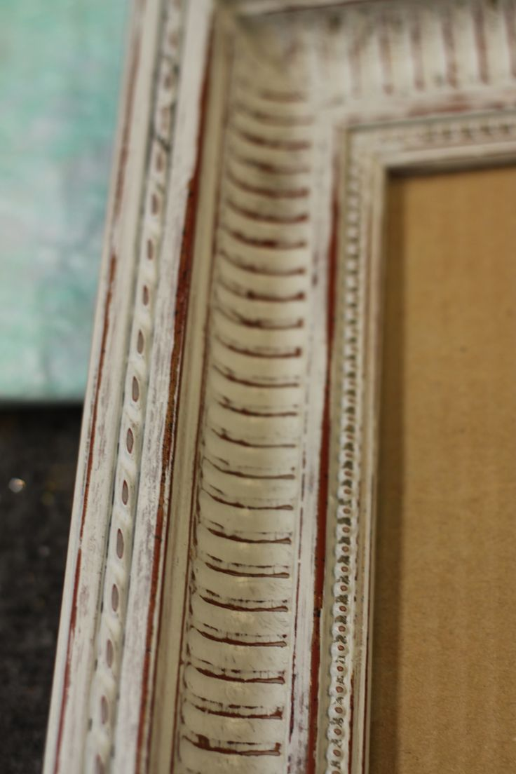 Restyling Picture Frames, with a simple coat of Amy Howard One Step Paint