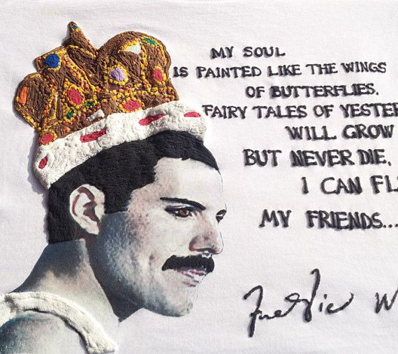 T-shirt handmade decorated and stamped with a fabulous Freddie Mercury's image and his caraterizing phrase, with 3D effect. *CLICK ON THE PHOTO for a closer look, my t-shirts are little art works :) F