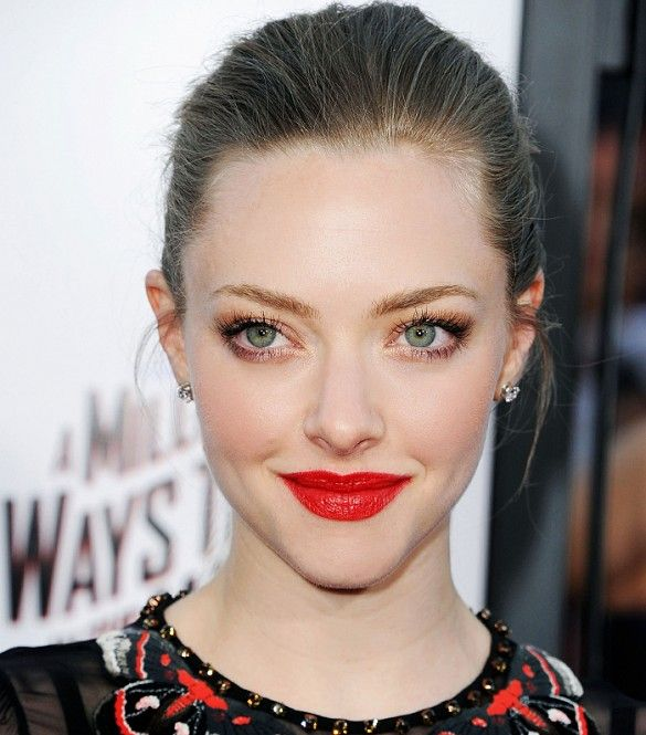 Amanda Seyfried wore bright red lipstick and pulled back hair. // #lips #beauty: