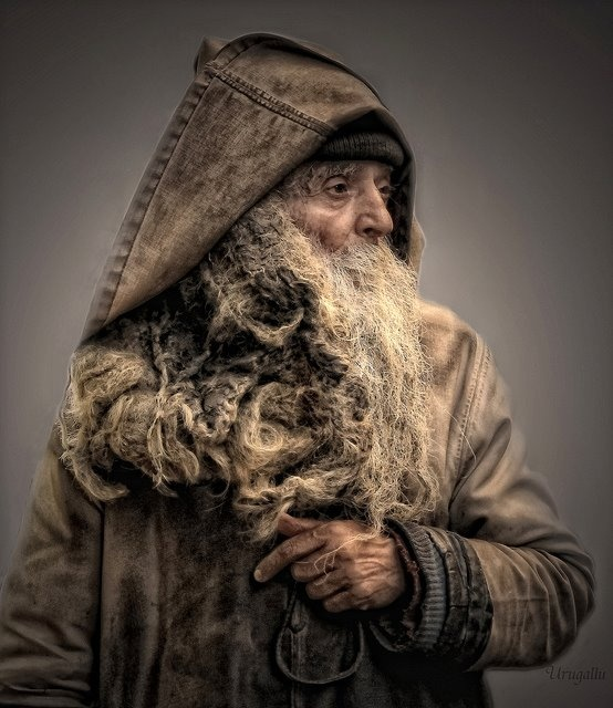 Old Man Hein is a little touched. He lives in a shack about a day on foot east of 'Ouder.