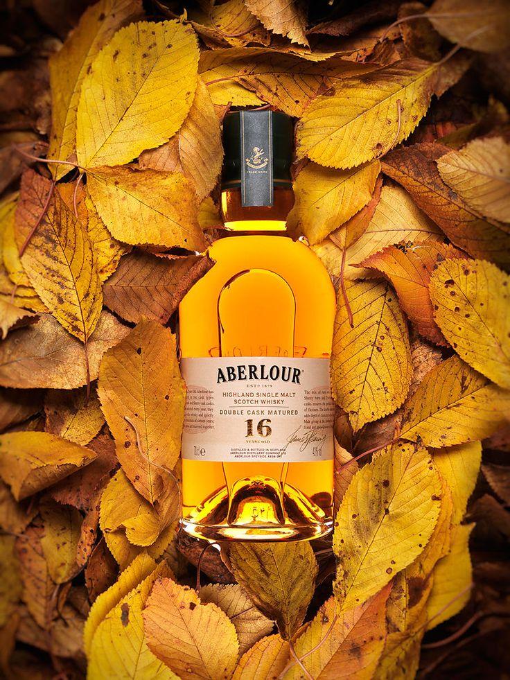 Bouteille Whisky Aberlour 16 ans d'age ambiance automne