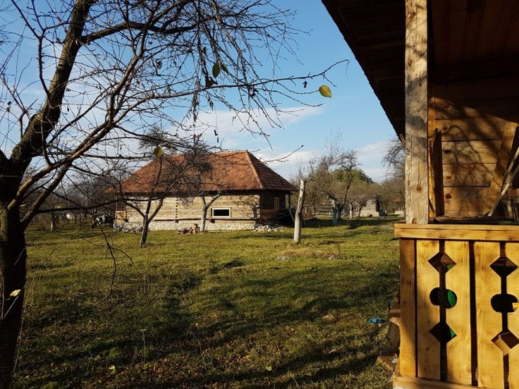 Fabrika de Case - Casa traditionala in Albestii Pamanteni, #Arges. #TraditionalArchitecture #WoodenHouse