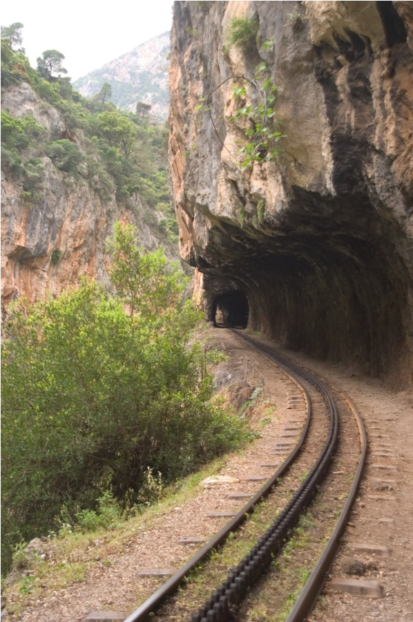 VISIT GREECE| Vouraikos gorge, a sheer beauty of Achaia (near the picturesque and historic town of Kalavrita in Northern Peloponnese) is adorable and visitable with a little help from Odontotos rack railway.