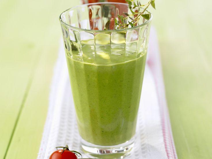 Spinat-Smoothie mit Joghurt - smarter - Kalorien: 110 Kcal - Zeit: 20 Min.   eatsmarter.de Dieser Smoothie wird mit Spinat und Joghurt gemacht.