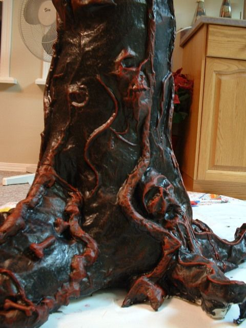 Awesome haunted tree tutorial...