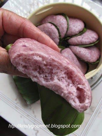 My Little Space: Purple Sweet Potato Hakka Steamed Bun @ Hee Ban