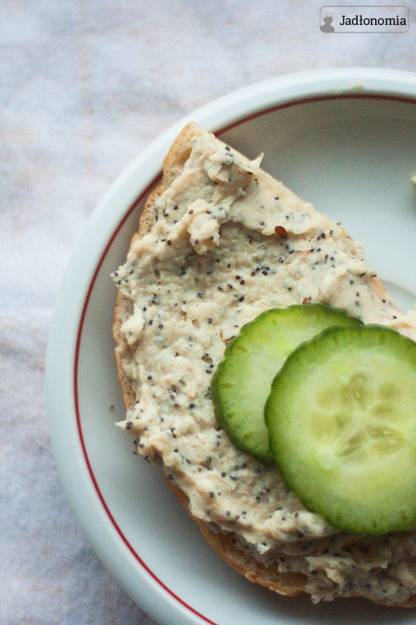 jadłonomia · roślinne przepisy: Pasta z białej fasoli z makiem