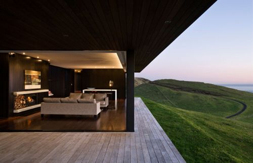 Parihoa Farmhouse in New Zealand by Pattersons Associates