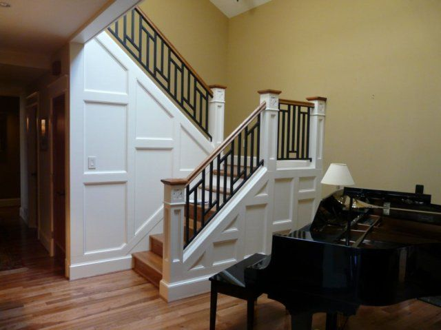 002staircase With Newel Posts