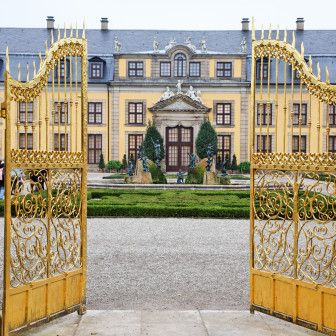 Greed is Good? The World's Mega Mansions - The ASW Globalist