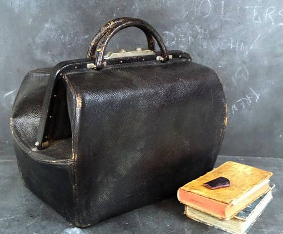 5dc3c396a2f1 1900s Antique VICTORIAN Era Leather Medical Doctors Bag Satchel with ...