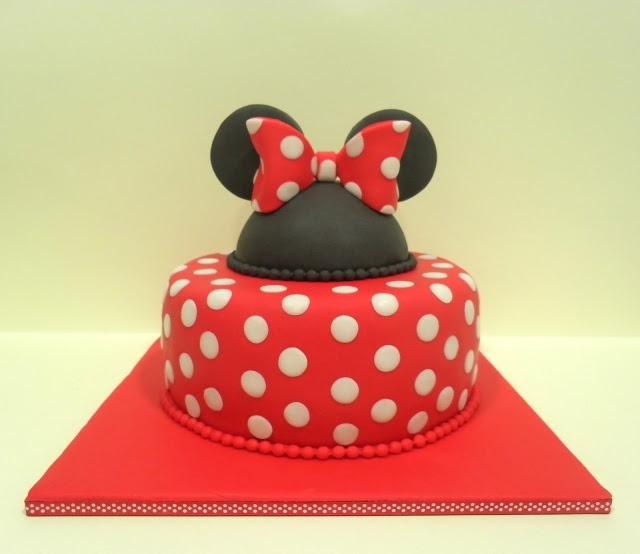 Con Corazón de Azúcar: Tarta Minnie Mouse - Bizcocho Victoria Sponge Cake