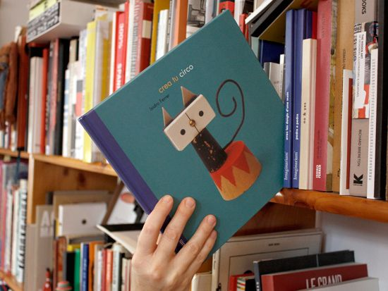 Crea tu circo 32 páginas. Color. 210 x 210 Zaragoza, Ediciones Imaginarium, 2001-2002