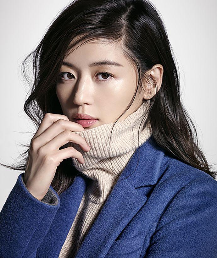 SHESMISS FAll 2015 Visuals Feat. Jeon Ji Hyun | Couch Kimchi
