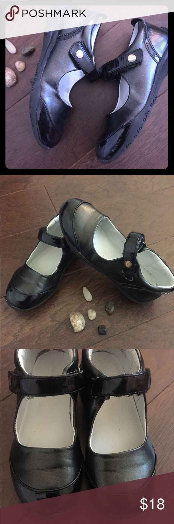 Nordstrom Girls Black Shoes Very durable and great quality. If only the shoe grew with the feet! 😊. Nordstrom Shoes Dress Shoes