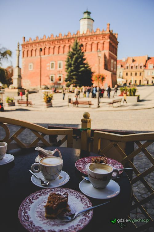 #Sandomierz rynek. Klimatyczny, zabytkowy, jedyny w swoim rodzaju. No i kawa z szarlotką za jedyne 6 zł :) Więcej zdjęć we wpisie