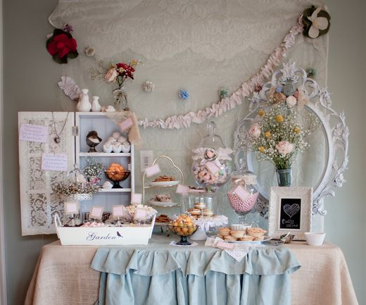 pretty vintage baby shower: Shower Ideas, Shabby Chic Style, Pretty Vintage, Vintage Baby Showers, Shabby Chic Baby, Chic Baby Showers, Parties Ideas, Desserts Tables, Baby Shower