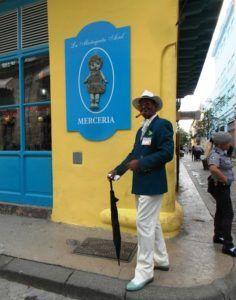 Havana cigar smoker Cuba. www.anaussieinitaly.com