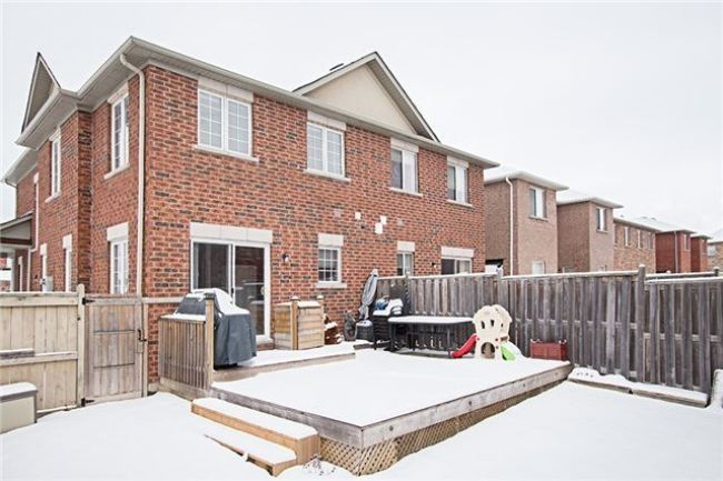 Stunning Open Concept Semi In The Desirable Castle-More Location.Double Door Entry, 9Ft. Ceiling,2nd. Flr. Laundry Room.W/O To Yard From Breakfast Area, Hardwood Ceramic Tile On Main Floor. Separate Entrance To 2-Br. Basement Apartment With 2nd Laundry Huge Pie-Shape Corner Lot. Seller Would Like To See An Offer. - See more at: http://www.superrealtyseller.ca/idx/W3415291/Brampton/9-rubysilver-dr.html#sthash.1uYkygvN.dpuf