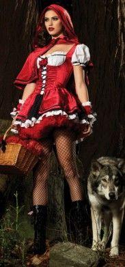 De paseo por el bosque en Halloween con nuestro disfraz de Caperucita Roja. Es un disfraz con muchos detalles y buenos acabados por lo que tiene un toque muy sensual.